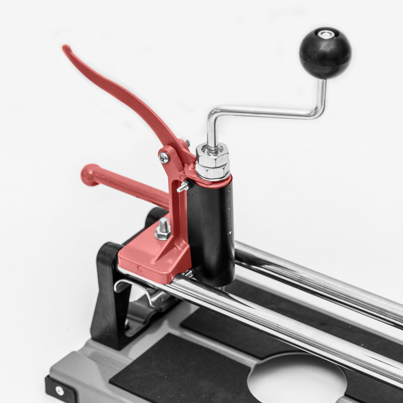 Mašina za siječenje pločica